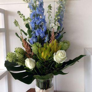 rickis-pick-vase-arrangement
