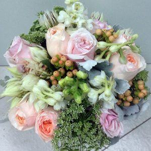 blushing-bridal-bouquet-210