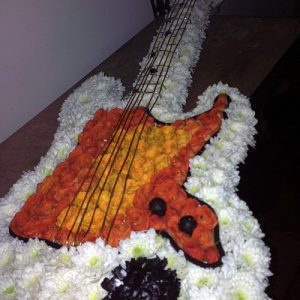 electric-guitar-in-flowers-290
