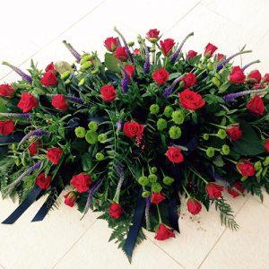 large-red-rose-casket-spray-550