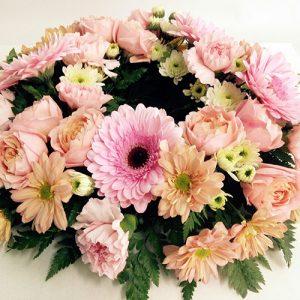 pastel-spray-rose-wreath-110