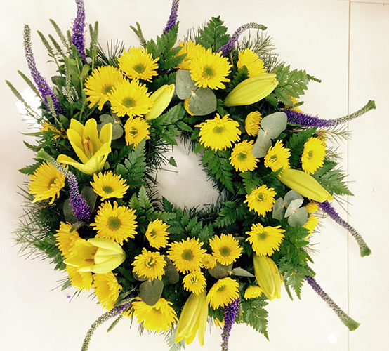 Sunny Wreath Medium