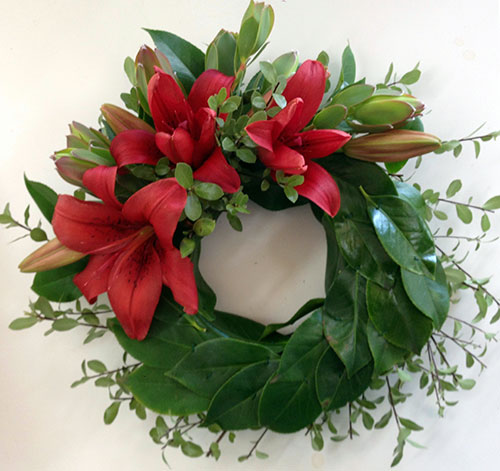 Textured Laurel Wreath