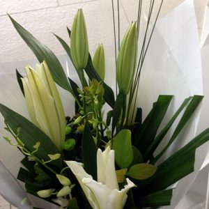 white-oriental-bouquet-55